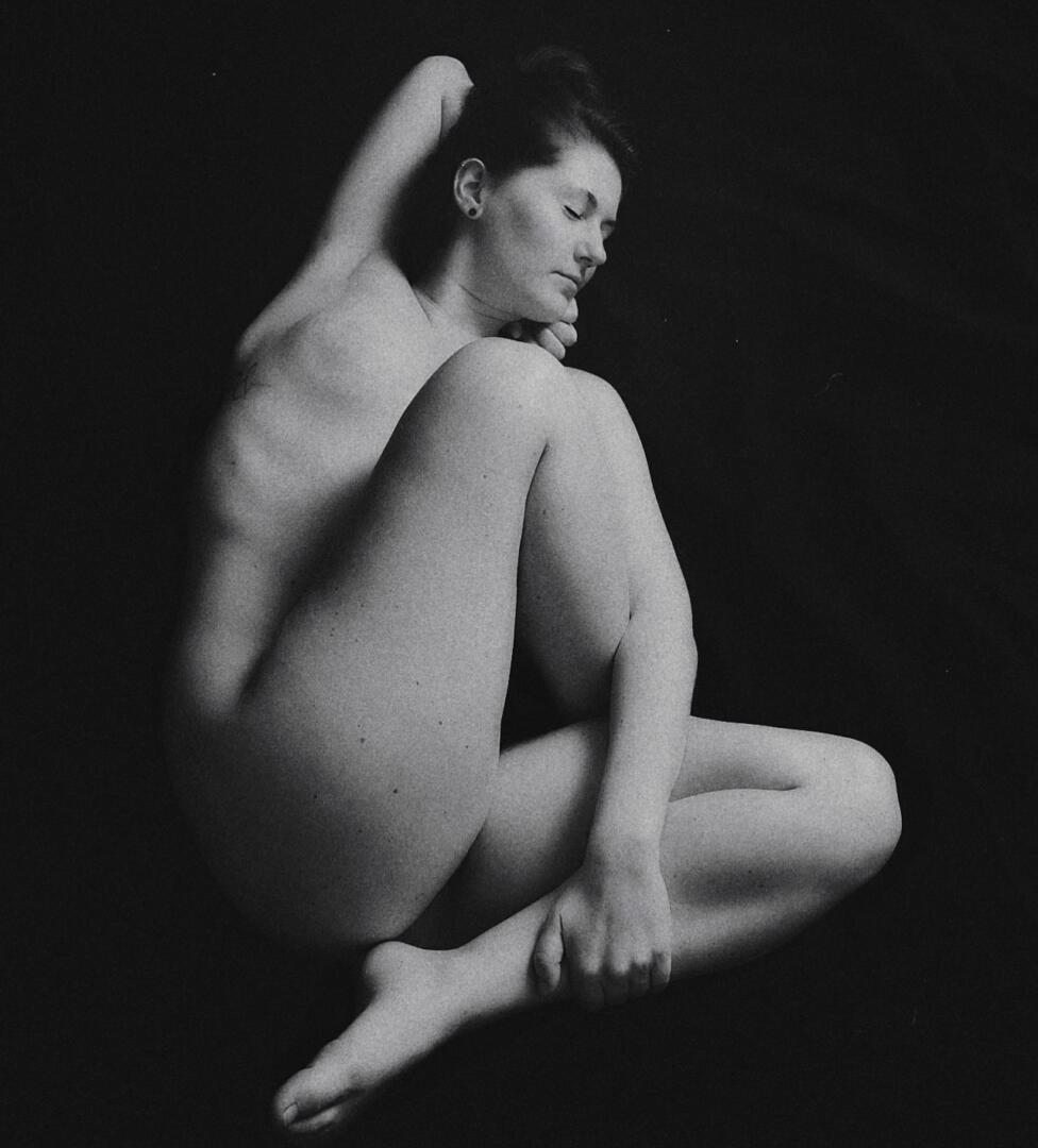 Aktfotografie / Fine-art Nude Serie: Twist 2120