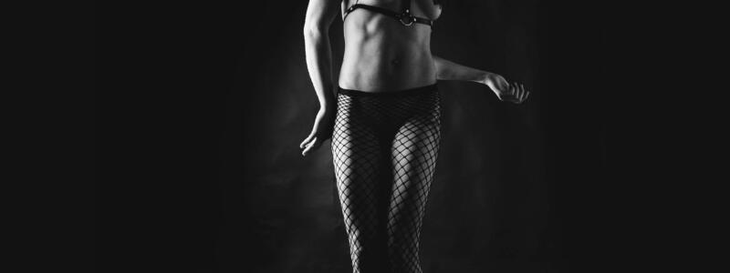 Fine-art Nude Serie: Dance out of the Dark