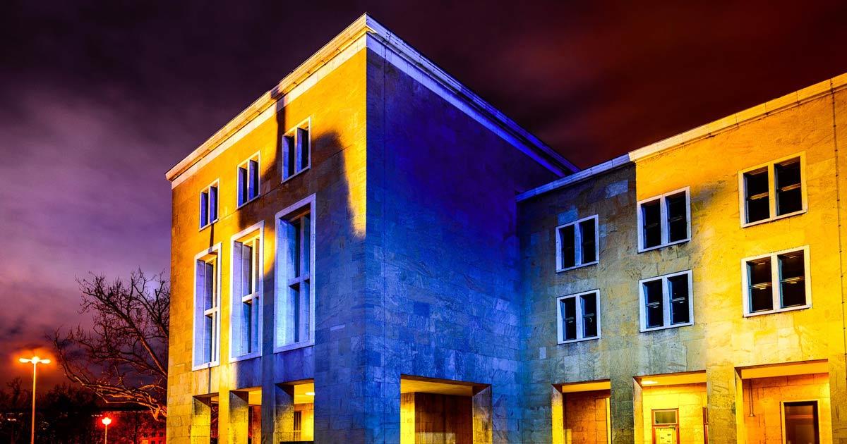 Fine-art-Photo-Series---Flighafen-Tempelhof-bei-Nacht-fb