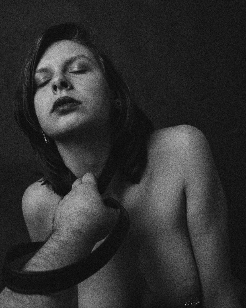 Leather Belt - BDSM Fine-Art Serie mit Svenja